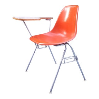 Vintage Mid Century Eames Herman Miller Fiberglass Scoop Chair For Sale
