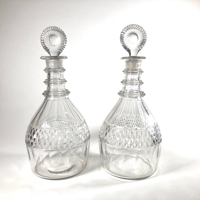 Late 18th Century Anglo-Irish Georgian Period Cut Crystal Decanters - a Pair For Sale In Cleveland - Image 6 of 6