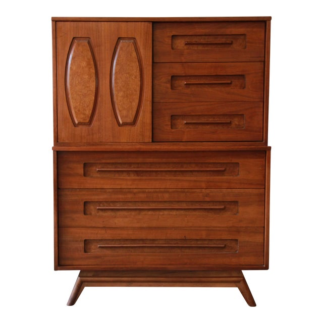 Young Manufacturing Mid-Century Modern 9-Drawer Gentleman's Chest For Sale