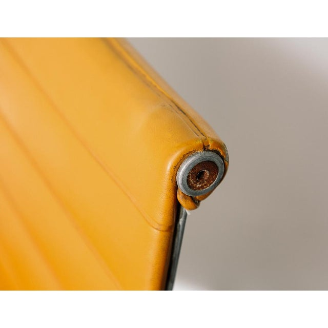 1970s Vintage Eames Aluminum Group Chair in Orange For Sale - Image 5 of 11