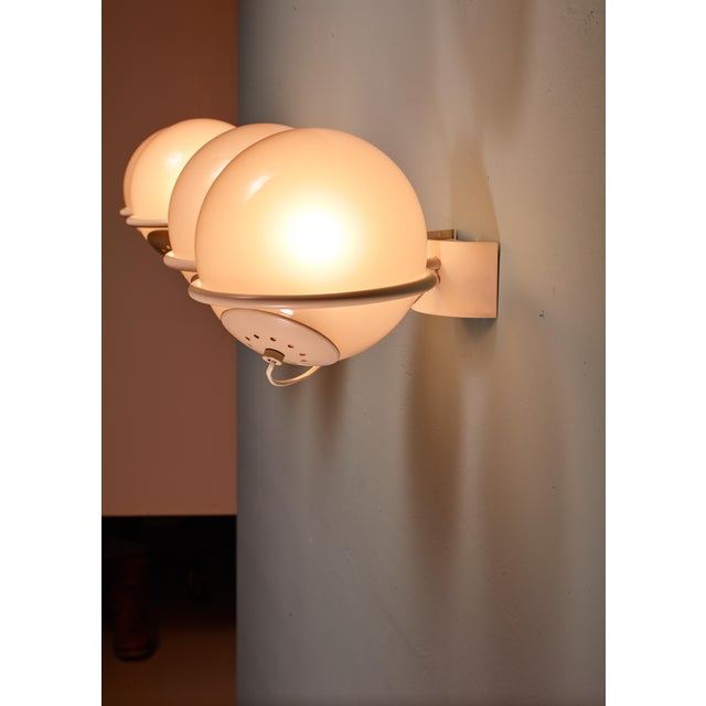 Rare Gino Sarfatti Pair of '237-2' Sconces in White and Opaline, Arteluce, 1950 For Sale - Image 6 of 6