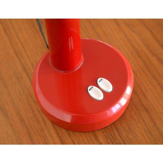 Late 20th Century Vintage Modern Red Plastic Gooseneck Fluorescent Desk Lamp For Sale - Image 4 of 12