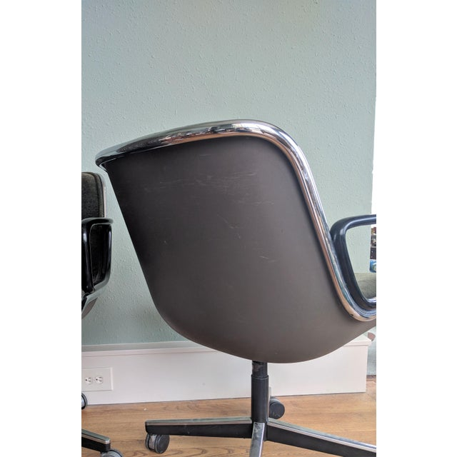 Vintage Knoll Pollock Green Mohair Velvet Executive Chairs - a Pair For Sale In Birmingham - Image 6 of 13