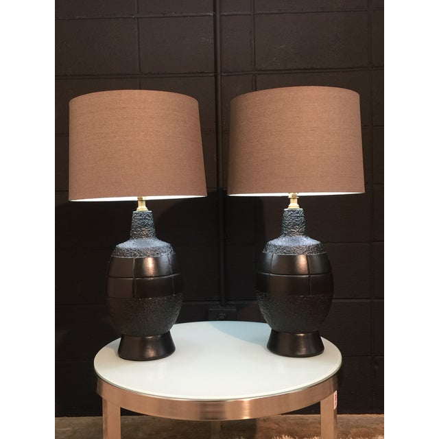 Plasto Mid-Century Modern Lacquered Table Lamps- A Pair For Sale - Image 4 of 10
