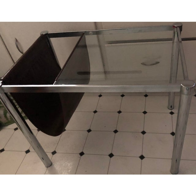 1960s Milo Baughman for Design Institute of America Style Chrome and Glass-Top Table With Leather Magazine Rack For Sale - Image 5 of 6