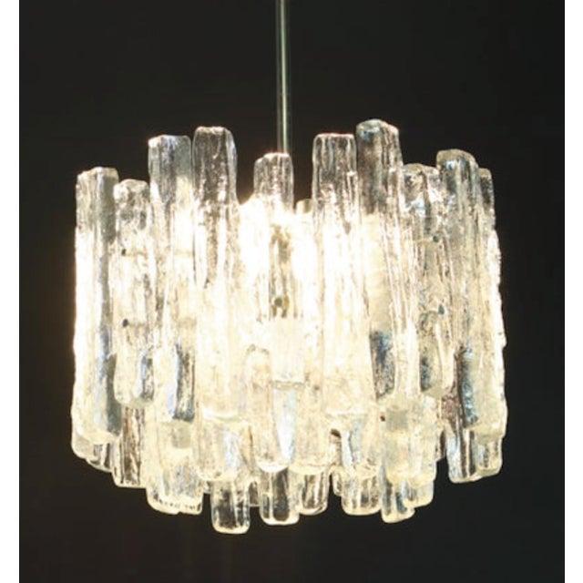 Large Murano Ice Glass Chandelier by Kalmar, Austria, 1960s Stunning Murano glass chandelier by Kalmar, 1960s. Three tiers...