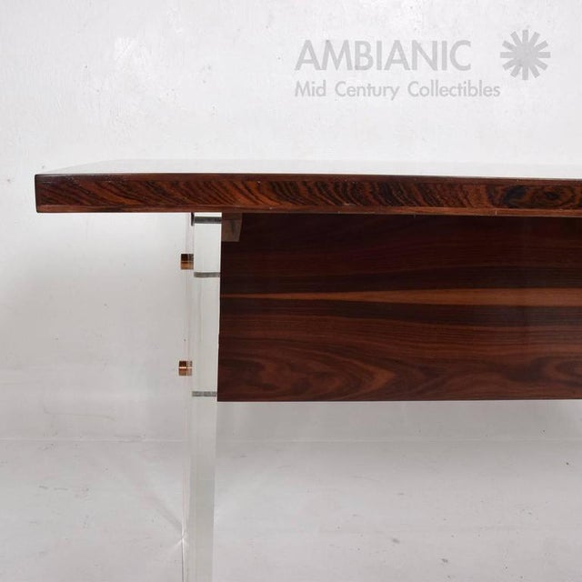 Mid-Century Modern Rosewood and Lucite Table For Sale - Image 4 of 10