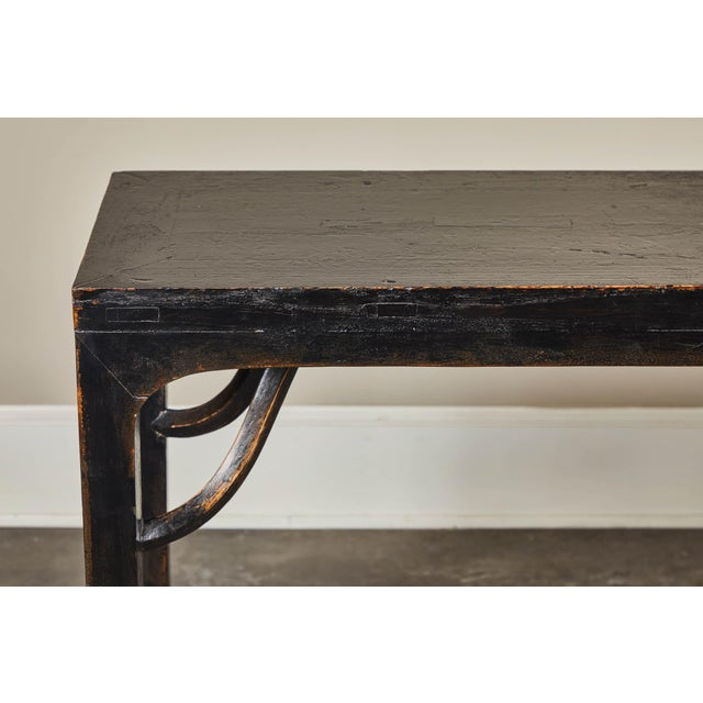 18th C. Ming Black Crackled Lacquer Console Table For Sale In Los Angeles - Image 6 of 10