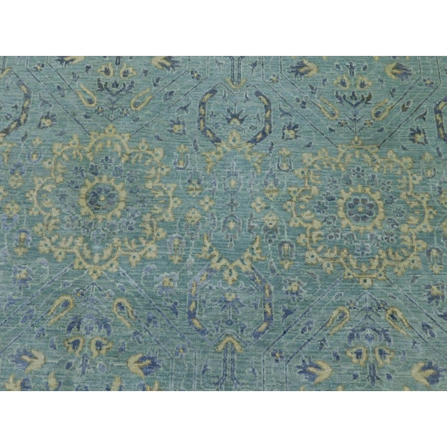 """Cotton Farahan Hand-Knotte Rug - 8'2"""" Round. For Sale - Image 7 of 10"""