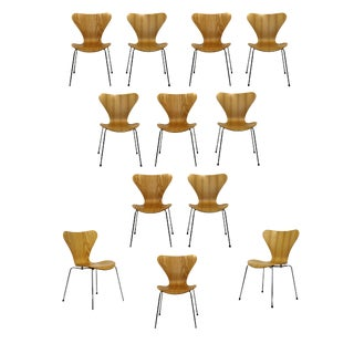 Mid-Century Modern Reproduction Jacobsen Fritz Hansen 12 Molded Side Chairs For Sale