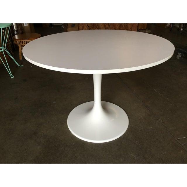 "41.5"" round ""Tulip"" coffee table designed by Eero Saarinen and produced by Knoll International. Eero Saarinen (1910-1960)..."