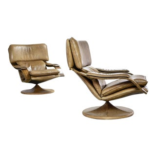 Pair of Mid-Century Scandinavian Design Cognac Brown Leather Lounge Swivel Chairs, 1960s
