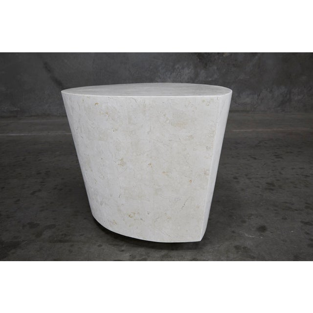"""Maitland - Smith 1990s Contemporary White Freeform Tessellated Stone """"Hampton"""" Side Table For Sale - Image 4 of 13"""