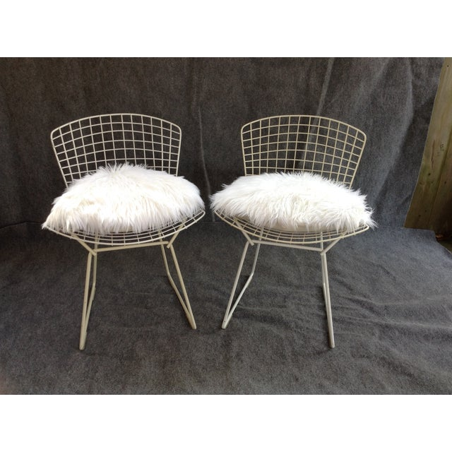 Vintage White Wire Knoll Bertoia Chairs - A Pair - Image 2 of 10