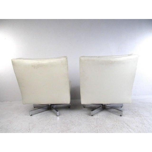 Thayer Coggin Milo Baughman Swivel Lounge Chairs for Thayer Coggin For Sale - Image 4 of 9