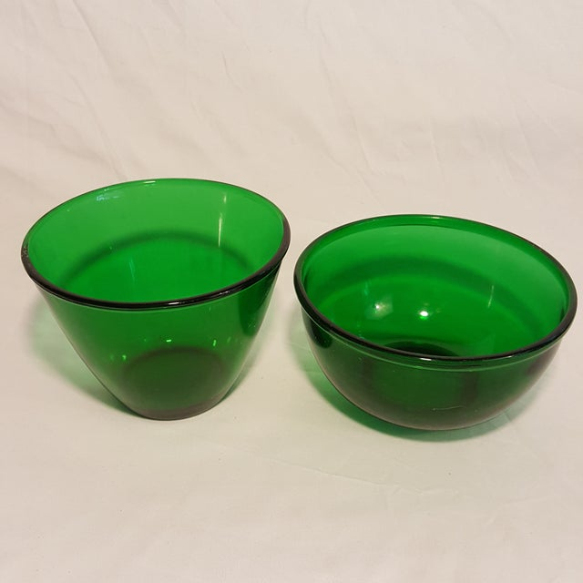 Contemporary Anchor Hocking Forest Green Serving Bowls ,Set of 2 For Sale - Image 3 of 4