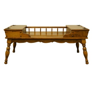 20th Century Early Ameican Ethan Allen Heirloom Nutmeg Maple 42? Accent Coffee Table For Sale
