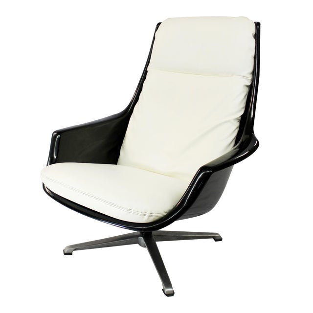 Mid-Century Molded Resin Plastic Chair - Image 1 of 8