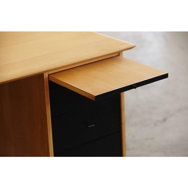 5 Drawer Double Sided Two Tone Black, Birch Desk by Paul McCobb for Planner Group For Sale In New York - Image 6 of 8