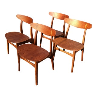 A Set of 4 Hans Wegner Ch-30 Dining Chairs Produced by Carl Hansen & Son. For Sale