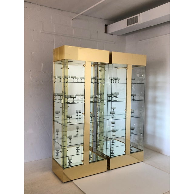 Hollywood Regency Pair of Lighted Brass and Glass Curios/ Display Cabinets For Sale - Image 3 of 9