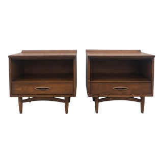 Mid Century Modern Broyhill Sculptra Nightstands - a Pair For Sale
