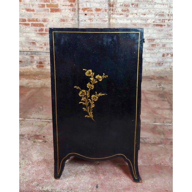 Antique English Chinoiserie Black Lacquered Five-Drawer Chest For Sale In Los Angeles - Image 6 of 11