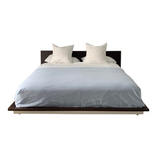Molteni & C Levante Low Profile King Size Bed Frame For Sale