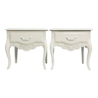 Vintage Ethan Allen French Style Nightstands - a Pair For Sale