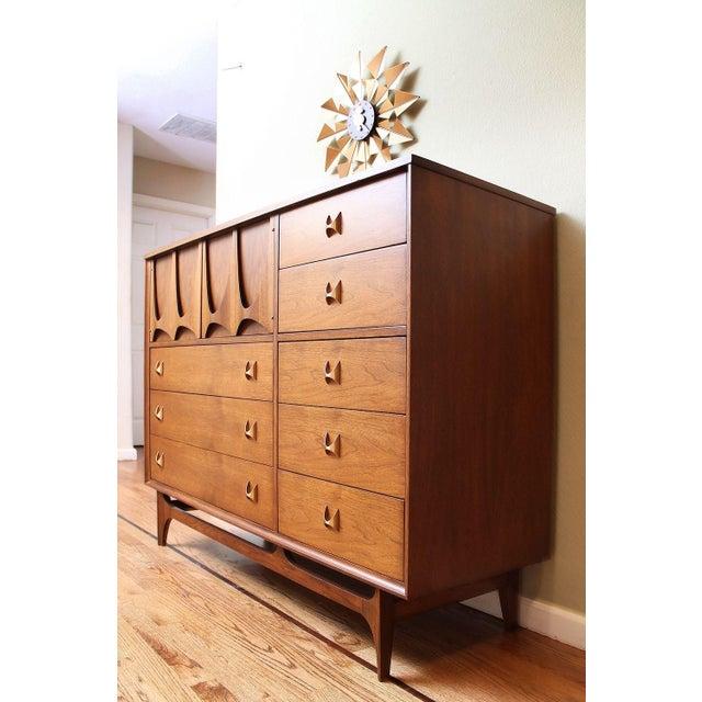 Mid-Century Modern Broyhill Brasilia Magna Dresser For Sale - Image 4 of 7