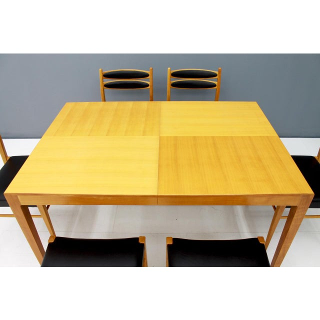 Wood Dining Room Set With Six Chairs in Cherry Wood and Black Leather 1957 For Sale - Image 7 of 10