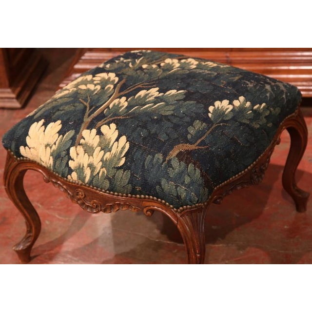 18th Century French Louis XV Walnut Square Stool With Aubusson Tapestry For Sale - Image 5 of 9