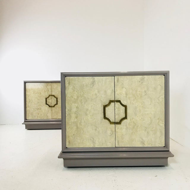 Pair of Mastercraft Bachelor Burl and Lacquer Cabinets For Sale In Dallas - Image 6 of 13