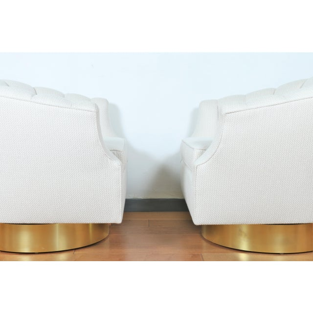 Milo Baughman Attributed Pair of Swivel Chairs For Sale - Image 10 of 13