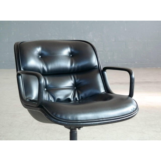 Mid-Century Modern Charles Pollock Executive Chair for Knoll International in Black Leather For Sale - Image 3 of 7