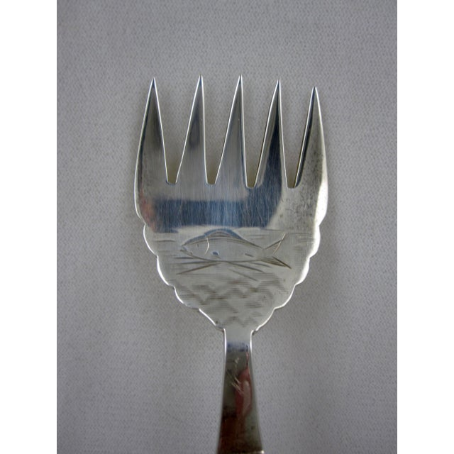 Staffordshire 19th Century English Imari Handled Fish/Sardine Serving Fork For Sale - Image 4 of 8