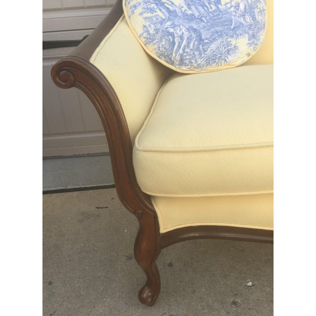 Fabric Vintage Bernhardt French Louis XV Style Settee For Sale - Image 7 of 11