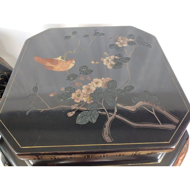Chinoiserie 1950s Chinoiserie Jappaned Lacquered Side Tables - a Pair For Sale - Image 3 of 10