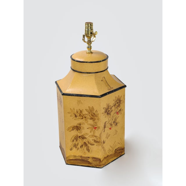 Vintage English Export Chinoiserie Style Yellow Hexagonal Tea Caddy Lamp For Sale - Image 4 of 10