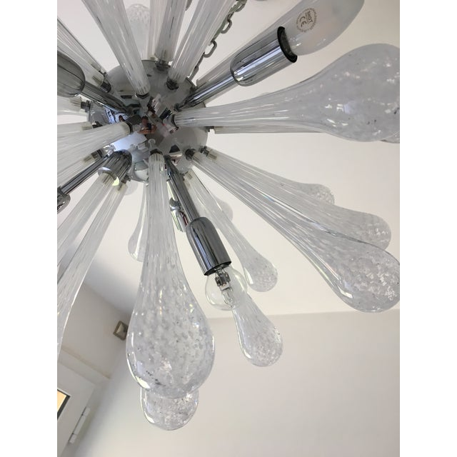 Mid-Century Modern White & Transparent Murano Glass Sputnik Chandelier For Sale - Image 3 of 7