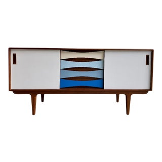 Mid Century Modern Shades of Blue Credenza / Sideboard / Media Stand For Sale
