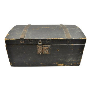 Antique Dome Top Wood Cast Iron Dovetail Constructed Treasure Chest Trunk Box For Sale