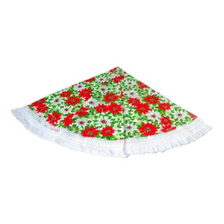 """Vintage 67"""" Round Christmas Tablecloth With Fringe For Sale"""
