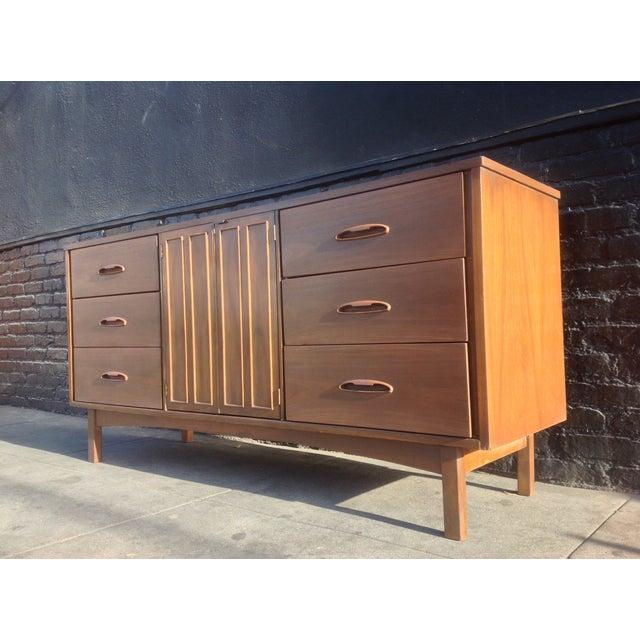 1960's American Mid-Century Dresser - Image 8 of 8