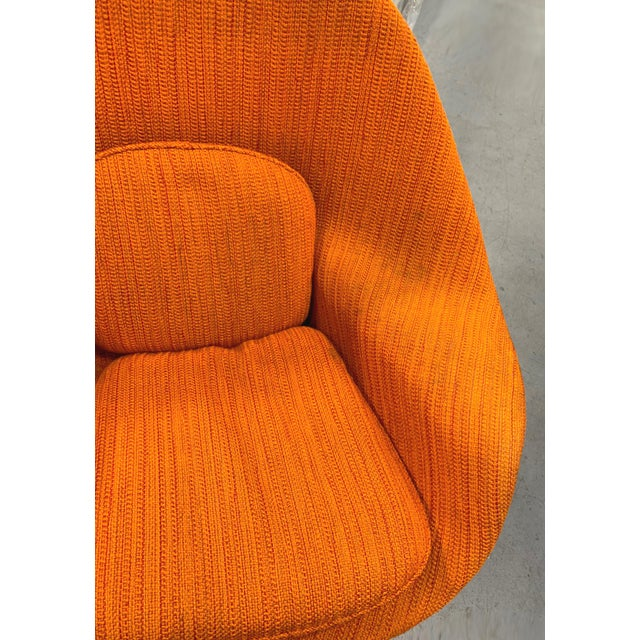 Eero Saarinen Womb Chair With Original Upholstery and Steel Frame For Sale - Image 11 of 12