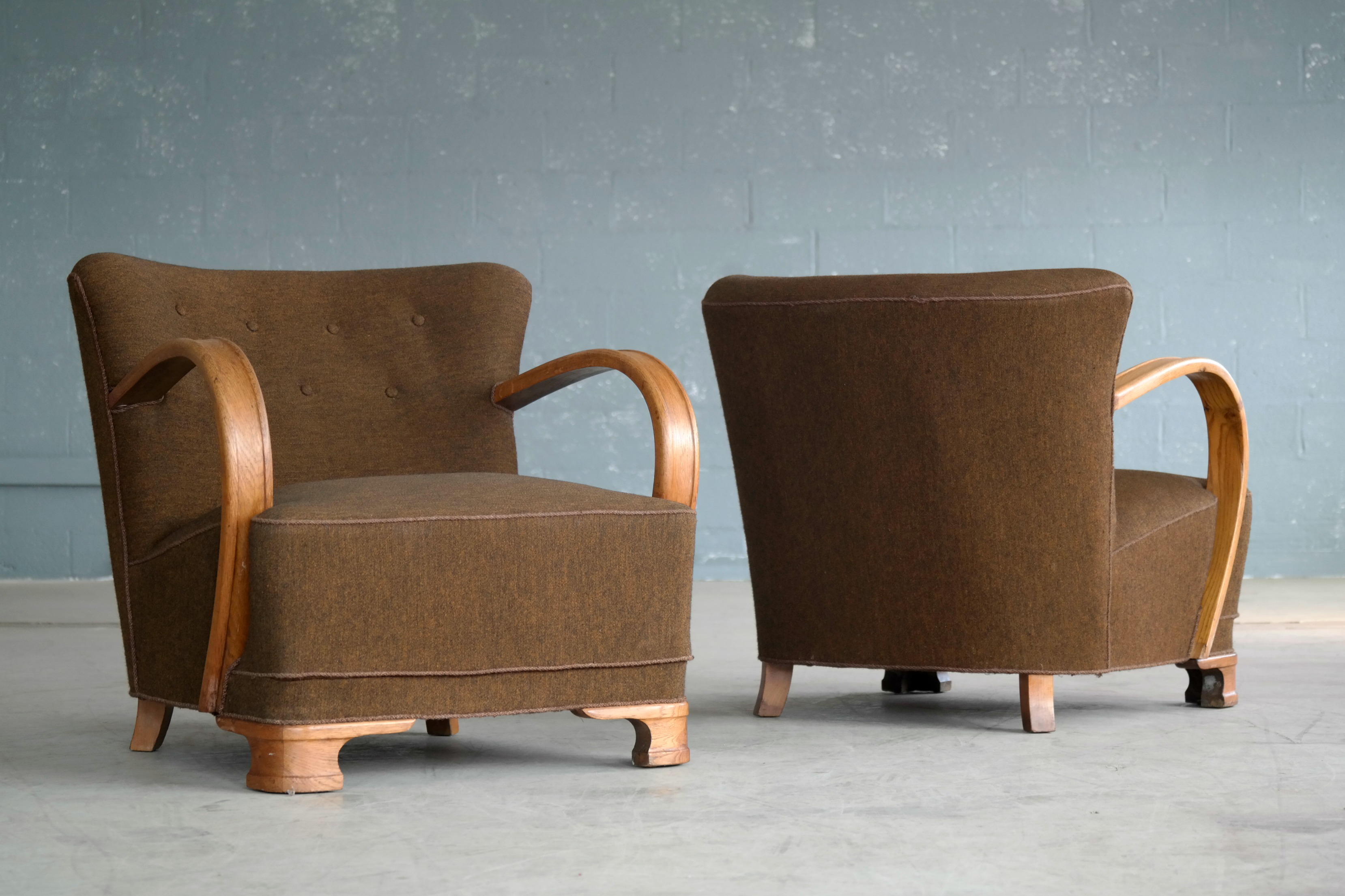 Pair Of Boesen Style 1940s Art Deco Chairs Lounge Chairs In Oak And Wool    Image
