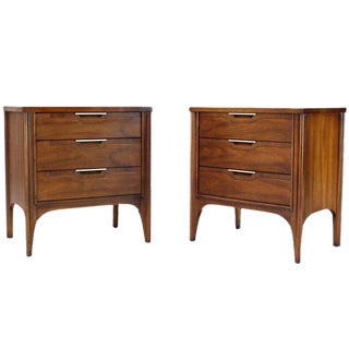 Pair of Walnut Three-Drawer Nightstands End Tables For Sale