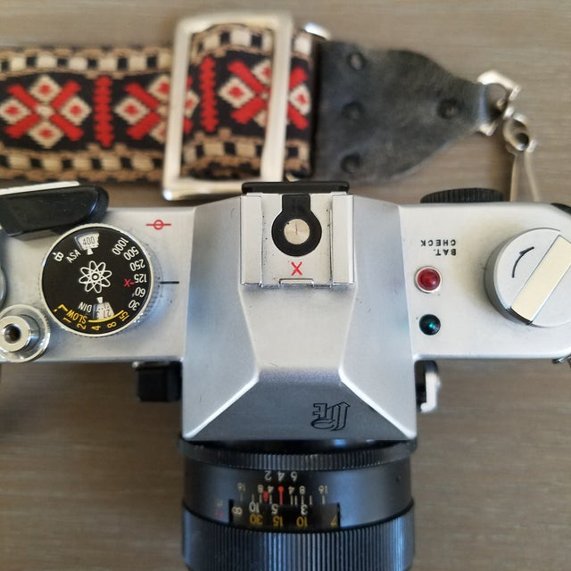 Vintage Yashica Camera with Strap For Sale - Image 5 of 9