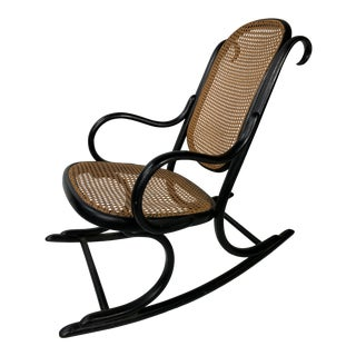 1900s Vintage Thonet Rocking Chair For Sale