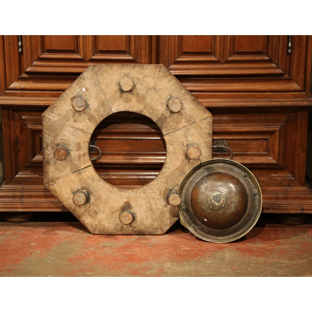 Gold Early 19th Century Spanish Carved Walnut Brasero with Removable Brass Tray Top For Sale - Image 8 of 9